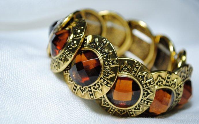 Купить трехцветные обручальные кольца golyi-wc.ru